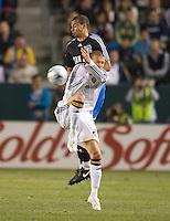 Jason Hernandez and David Beckham,.San Jose Earthquakes vs Los Angeles Galaxy, April 4, 2008, in Carson California. The Galaxy won 2-0.