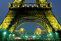 Eiffel Tower, Paris, France, Europe, The Eiffel Tower and the Palais de Chaillot illuminated at night in Paris.