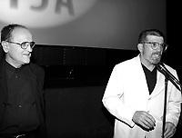 ID :  pr_000827B_130<br /> -Serge Losique ;  pdg du FFM<br /> -David Mamet ;   rÈalisateur et metteur en scËne<br /> PrÈsentation de son film au<br /> CinÈma ImpÈrial,le 27 ao˚t 2000<br /> MENTION OBLIGATOIRE :  © Pierre Roussel, 2000
