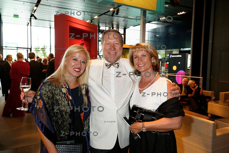 v.l.n.r. Georgia Fotiou, James Brimhall, Antje Brimhall am<br /> Eroeffnungskonzert des Lucerne Festival im KKL Luzern am 14. August 2014<br /> <br /> Copyright ? Zvonimir Pisonic