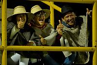 TUNJA -COLOMBIA, 07-07-2017: Hichas de Patriotas animan a su equipo durante el encuentro entre Patriotas FC y Atletico Huila por la fecha 1 de la Liga Águila II 2017 realizado en el estadio La Independencia de Tunja. / Fans of Patriotas cheer for their team during the match between Patriotas FC and Atletico Huila for the date 1 of Aguila League II 2017 played at La Independencia stadium in Tunja. Photo: VizzorImage / Javier Morales  / Cont