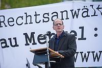 """Unter dem Motto: """"Frau Merkel: Aussitzen ist Beihilfe!"""" protestierten am Samstag den 30.Mai 2015 Rechtsanwaeltinnen und Rechtsanwaelte vor dem Bundeskanzleramt gegen die geplante Vorratsdatenspeicherung.<br /> Die Kundgebung fand anlaesslich des 2. Jahrestages der Enthuellungen von Edward Snowden ueber die weltweiten verfassungswidrigen Massenueberwachung durch Geheimdienste statt. Aufgerufen zu der Kundgebung hatte die parteiunabhaengige Hamburger Initiative """"Rechtsanwaelte gegen Totalueberwachung"""".<br /> Im Bild: RA Dr. Marcus Mollnau (Praesident der Berliner Rechtsanwaltskammer).<br /> 30.5.2015, Berlin<br /> Copyright: Christian-Ditsch.de<br /> [Inhaltsveraendernde Manipulation des Fotos nur nach ausdruecklicher Genehmigung des Fotografen. Vereinbarungen ueber Abtretung von Persoenlichkeitsrechten/Model Release der abgebildeten Person/Personen liegen nicht vor. NO MODEL RELEASE! Nur fuer Redaktionelle Zwecke. Don't publish without copyright Christian-Ditsch.de, Veroeffentlichung nur mit Fotografennennung, sowie gegen Honorar, MwSt. und Beleg. Konto: I N G - D i B a, IBAN DE58500105175400192269, BIC INGDDEFFXXX, Kontakt: post@christian-ditsch.de<br /> Bei der Bearbeitung der Dateiinformationen darf die Urheberkennzeichnung in den EXIF- und  IPTC-Daten nicht entfernt werden, diese sind in digitalen Medien nach §95c UrhG rechtlich geschuetzt. Der Urhebervermerk wird gemaess §13 UrhG verlangt.]"""