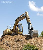 0713-1103  Backhoe (back actor, rear actor), Excavating Equipment  © David Kuhn/Dwight Kuhn Photography