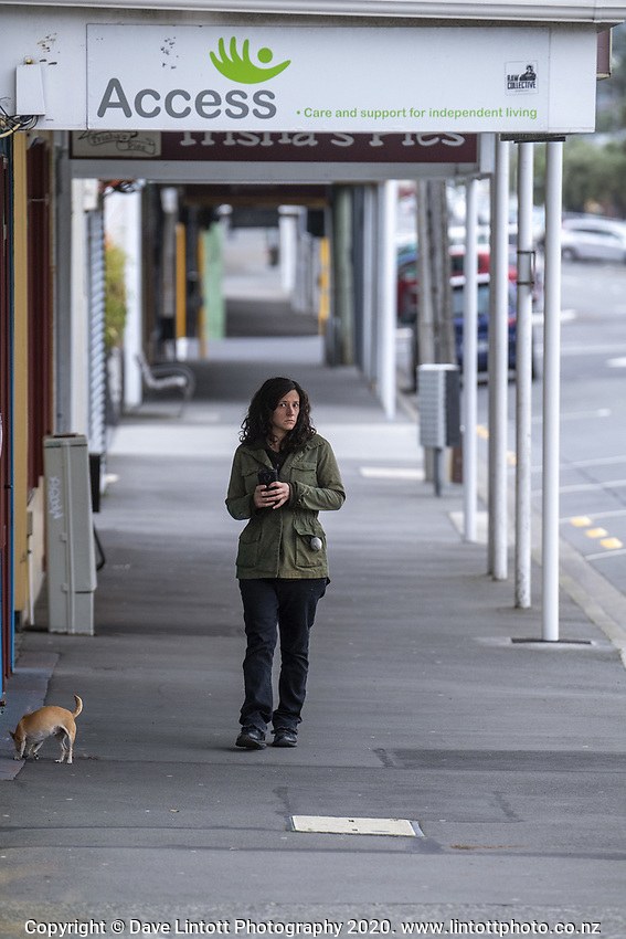 Kilbirnie shopping centre at 3pm during lockdown for the COVID19 pandemic in Wellington, New Zealand on Friday, 17 April 2020. Photo: Dave Lintott / lintottphoto.co.nz