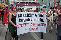 """Israelis demonstrieren in Berlin  gegen Gaza-Krieg.<br /> Mehrere hundert Menschen folgtem einem Aufruf von Israelis und Juden die in Berlin leben zu einer Demonstration gegen den Krieg Israels gegen im Gaza-Streifen. An der Demonstration nahmen auch Menschen aus arabischen Laendern und Deutschland teil. Gemeinsam riefen sie Parolen gegen Israel, Antisemitismus, Antiislamismus und forderten ein sofortiges Ende des Krieges.<br /> Im Bild: Demonstrantinnen tragen ein Trasnparent """"Ich schaeme mich Israeli zu sein. Stoppt den Mord in Gaza"""".<br /> Protestors hold a banner """"I am ashamed to be Israeli. Stop the murdering in Gaza"""".<br /> 30.7.2014, Berlin<br /> Copyright: Christian-Ditsch.de<br /> [Inhaltsveraendernde Manipulation des Fotos nur nach ausdruecklicher Genehmigung des Fotografen. Vereinbarungen ueber Abtretung von Persoenlichkeitsrechten/Model Release der abgebildeten Person/Personen liegen nicht vor. NO MODEL RELEASE! Don't publish without copyright Christian-Ditsch.de, Veroeffentlichung nur mit Fotografennennung, sowie gegen Honorar, MwSt. und Beleg. Konto: I N G - D i B a, IBAN DE58500105175400192269, BIC INGDDEFFXXX, Kontakt: post@christian-ditsch.de<br /> Urhebervermerk wird gemaess Paragraph 13 UHG verlangt.]"""