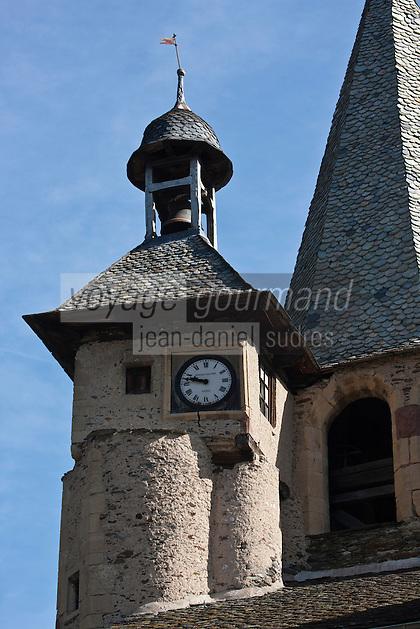 Europe/France/Midi-Pyrénées/12/Aveyron/Estaing: Détail Clocher  et clocheton de l' Eglise Saint-Fleuret