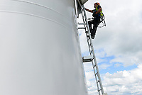 GERMANY Schleswig-Holstein Nortorf, construction of wind turbine SENVION 3.2M114, performance 3,2 Megawatt, Senvion (formerly REpower AG) is part of indian Suzlon Group / DEUTSCHLAND Schleswig Holstein Nortorf, Aufbau einer Windkraftanlage Senvion 3.2M 114