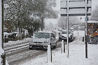 Car make there way through snow <br /> Weather - the Snowfall in High Wycombe, England on 10 December 2017. Photo by Andy Rowland.