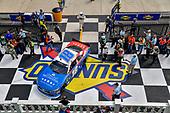 #18: Kyle Busch, Joe Gibbs Racing, Toyota Camry Comcast Salute to Service Juniper, victory