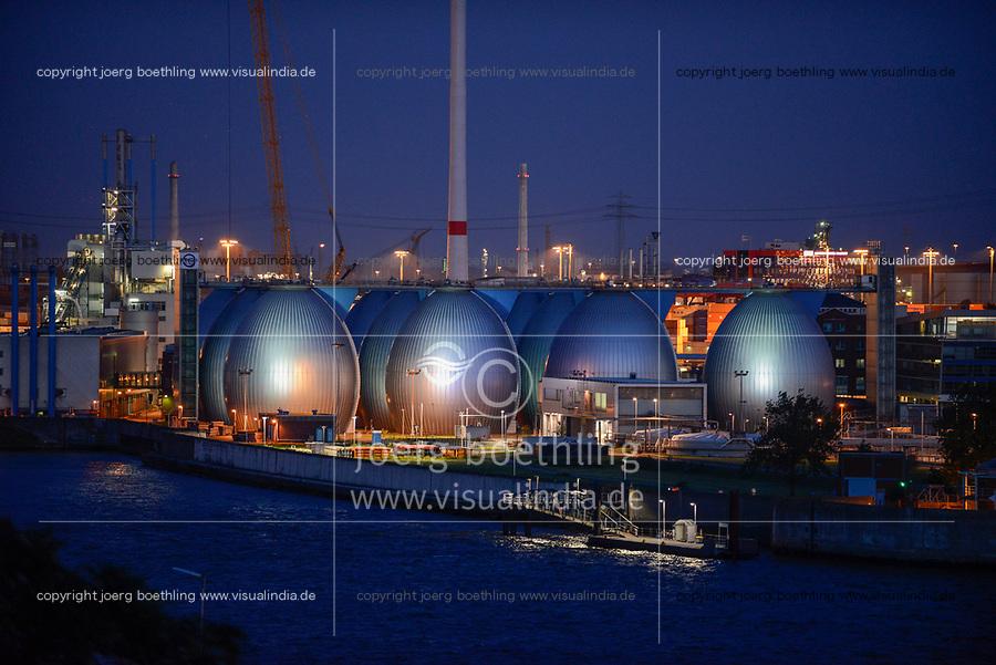 GERMANY, Hamburg, river Elbe,  illuminated biogas plant at treatment plant of Hamburg water , sludge is fermented to process Biogas / DEUTSCHLAND Hamburg, beleuchtetes Klaerwerk Koehlbrandhoeft von Hamburg Wasser, aus Klaerschlamm wird in einer Biogasanlage Biogas gewonnen und ins Gasnetz eingespeist