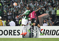 BOGOTA - COLOMBIA: 27-07-2016: Miguel Borja (Izq.) jugador de Atletico Nacional de Colombia disputa el balón con Arturo Mina (Der.) jugador de Independiente Del Valle de Ecuador, durante partido de vuelta de la final, entre Atletico Nacional e Independiente Del Valle por la Copa Bridgestone Libertadores 2016 en el Estadio Atanasio Girardot, de la ciudad de Medellin. / Miguel Borja (R) player of Atletico Nacional of Colombia, vies for the ball with Arturo Mina (R) player Independiente Del Valle de Ecuador, during a match for the second leg for the final between Atletico Nacional and Independiente Del Valle for the Bridgestone Libertadores Cup 2016, in the Atanasio Girardot Stadium, in Medellin city. Photos: VizzorImage / Luis Ramirez / Staff.