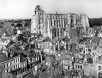 View of ruins in front of the Cathedral of St. Quentin, France, October 14, 1918. Lt Edward O. Harrs. (Army)<br /> NARA FILE #:  111-SC-28224<br /> WAR & CONFLICT BOOK #:  698