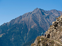 Vellauer Felsenweg, Algund bei Meran, Region Südtirol-Bozen Italien, Europa<br /> Hiking trail Vellauer Felsenweg,  Lagundo near Merano, Region South Tyrol-Bolzano, Italy, Europe