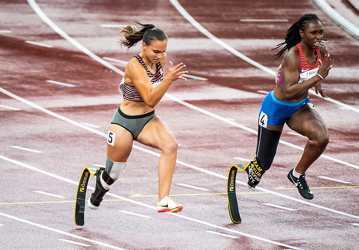Marissa Papaconstantinou, Tokyo 2020 - Para Athletics // Para-athlétisme.<br /> Marissa Papaconstantinou competes in the women's 100m T64 heats // Marissa Papaconstantinou participe aux épreuves féminines du 100 m T64. 02/09/2021.