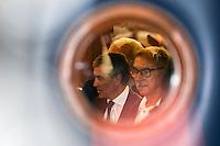 Palais de justice de Paris<br /> Le 5/ 9/ 2016 ProcËs de l'ancien ministre du Budget JÈrÙme Cahuzac, poursuivi pour fraude fiscale .son ex Èpouse Patricia Cahuzac est Ègalement jugÈe dans ce dossier.<br /> # JEROME CAHUZAC ET SON EX-FEMME AU TRIBUNAL