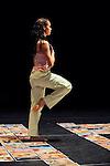 HUSAIS.EXPRESS 2 TEMPS..Choregraphie : FATTOUMI Hela,LAMOUREUX Eric.Avec :.ZIANE Moustapha.ROUAIRE Philippe.CHESNAIS Marine.KAKLEA Lenio.Lieu : Centre Choregraphique National.Ville : Pantin.Le : 03 03 2009.© Laurent PAILLIER / photosdedanse.com