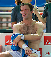 Moscow, Russia, 15 th July, 2016, Tennis,  Davis Cup Russia-Netherlands, Second rubber:  Teymuraz Gabashvili (RUS) changing his shirt during changeover<br /> Photo: Henk Koster/tennisimages.com