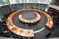 Zweiter Sitzungstag des 1. NSA-Untersuchungsausschuss am Donnerstag den 5. Juni 2014.<br /> Am inneren Tisch Vlnr: Prof. Russel A. Miller und Prof. Dr. Ian Brown sind als Experten vor den Ausschuss eingeladen worden.<br /> 5.6.2014, Berlin<br /> Copyright: Christian-Ditsch.de<br /> [Inhaltsveraendernde Manipulation des Fotos nur nach ausdruecklicher Genehmigung des Fotografen. Vereinbarungen ueber Abtretung von Persoenlichkeitsrechten/Model Release der abgebildeten Person/Personen liegen nicht vor. NO MODEL RELEASE! Don't publish without copyright Christian-Ditsch.de, Veroeffentlichung nur mit Fotografennennung, sowie gegen Honorar, MwSt. und Beleg. Konto:, I N G - D i B a, IBAN DE58500105175400192269, BIC INGDDEFFXXX, Kontakt: post@christian-ditsch.de]