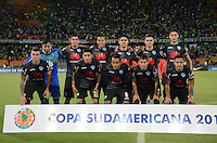 MEDELLÍN -COLOMBIA-13-09-2016. Atlético Nacional de Colombia y Bolívar de Bolivia durante partido de vuelta, segunda fase Llave 4, por la Copa Sudamericana 2016 jugado en el estadio Atanasio Girardot de la ciudad de Medellín. / Atletico Nacional of Colombia and Bolivar of Bolivia during second leg match, second phase Key 4, for the Southamerican Cup 2016 played at Atanasio Girardot stadium in Medellin city. Photo: VizzorImage/ León Monsalve /