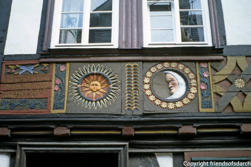 Butzbach: carved sign over door. Photo '87.