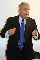 Intervento del prof. Francesco Florenzano - Presidente UPTER durante la lezione del Prof. Francesco Scarnati su Le donne nella tragedia greca....