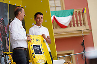 ZIPAQUIRA - COLOMBIA, 07-08-2019: Egan Bernal, ciclista colombiano, en compañía de Jorge Ovidio Gonzalez, presidente de Fedeciclismo, presenta la camiseta de Campeón del Tour de Francia 2019 durante el homenaje en su ciudad natal Zipaquirá. / Egan Bernal, Colombian cyclist, in company of Jorge Ovidio Gonzalez Fedeciclismo CEO, presents the yelow yersey as champion of the Tour de France 2019 during a tribute in his town Zipaquira. Photo: VizzorImage / Diego Cuevas / Cont