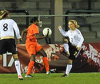 U17  Netherlands - U17 Germany :  2 Ricarda Walkling in duel met 7 Lineth Beerensteyn.foto DAVID CATRY / Vrouwenteam.be