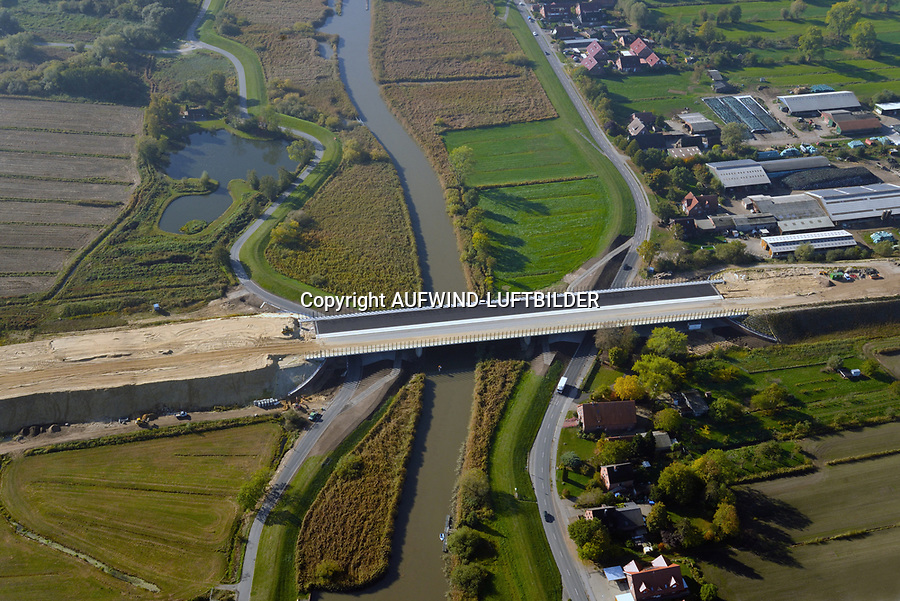 Autobahnbaustelle A26 bei Buxtehude: EUROPA, DEUTSCHLAND, NIEDERSACHSEN, BUXTEHUDE (EUROPE, GERMANY), 19.10.2018:Die Estebrücke bei Buxtehude Autobahnbaustelle A26