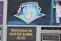 Raymond James Stadium begruesst die Besucher des Super Bowl XLIII<br /> Super Bowl XLIII - Arizona Cardinals vs. Pittsburgh Steelers<br /> *** Local Caption *** Foto ist honorarpflichtig! zzgl. gesetzl. MwSt. Auf Anfrage in hoeherer Qualitaet/Aufloesung. Belegexemplar an: Marc Schueler, Am Ziegelfalltor 4, 64625 Bensheim, Tel. +49 (0) 6251 86 96 134, www.gameday-mediaservices.de. Email: marc.schueler@gameday-mediaservices.de, Bankverbindung: Volksbank Bergstrasse, Kto.: 151297, BLZ: 50960101