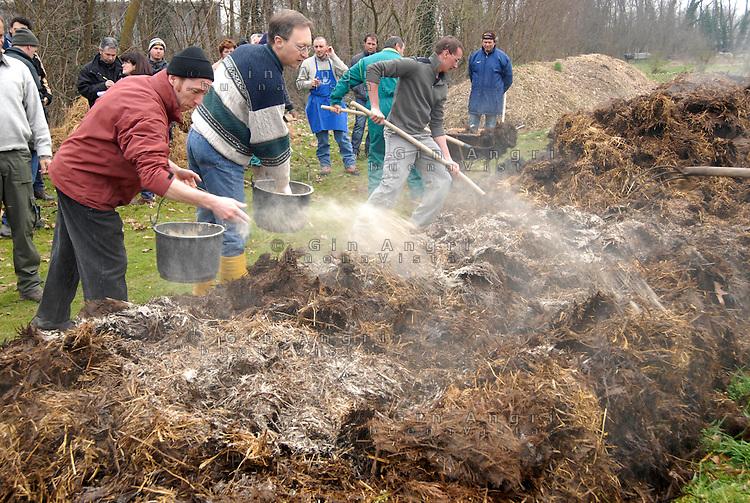cascina Pirola, a Zelata di Bereguardo (PV), Agricoltura Biodinamica, che nasce dalla filosofia antroposofica di Rudolf Steiner dei primi del '900. Il suolo e la vita sono un unico sistema. Rispetto per la natura.