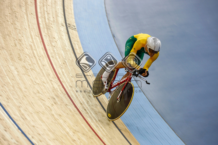 David Nicholas (AUS) competing for the mens individual pursuit C3, Track Cycling (Friday 31st Aug) - Velodrome,Paralympics - Summer / London 2012, London, England 29 Aug - 9 Sept , © Sport the library/Greg Smith