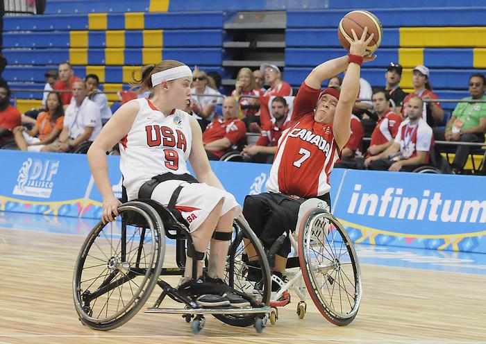 Cindy Ouellet, Guadalajara 2011 - Wheelchair Basketball // Basketball en fauteuil roulant.<br /> Team Canada takes on Team USA in the Gold Medal Game // Équipe Canada affronte Équipe États-Unis dans le match pour la médaille d'or. 11/18/2011.