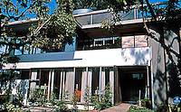 Richard Neutra & Dion Neutra: Neutra House, 2300 E. Silver Lake Blvd., 1964. Original 1933 house restored and altered after a fire. Photo 2004.