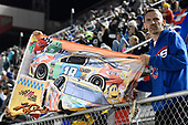 #18: Kyle Busch, Joe Gibbs Racing, Toyota Camry Skittles, Fans
