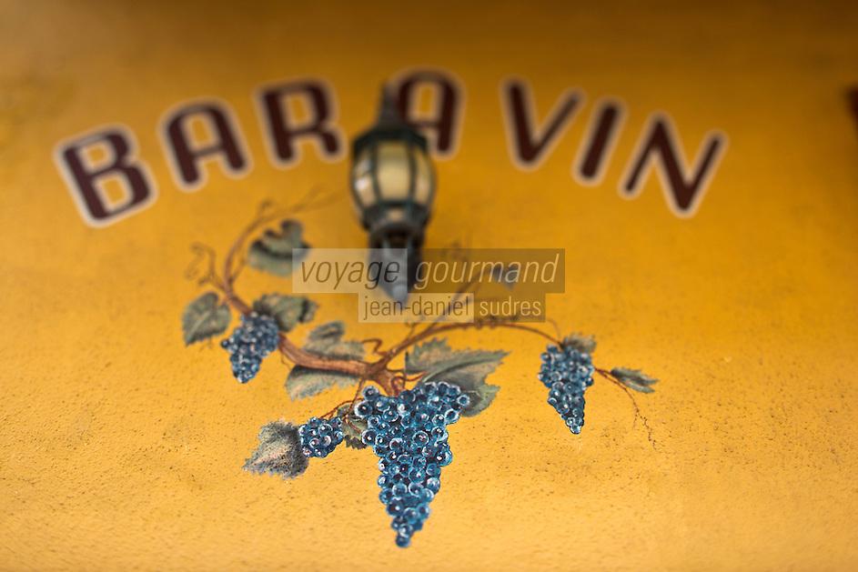 Europe/France/2A/Corse du Sud/Ajaccio: Enseigne du Bar à vin: dans leur bar à vins: Bar Pierrot [