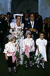 EMILIO FEDE CON  LA FIGLIA SIMONA <br /> MATRIMONIO SIMONA FEDE E VITTORIO MARZOTTO - CAPRI 1986