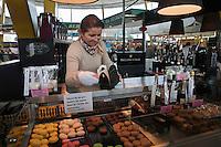 Europe/France/Bretagne/56/Morbihan/Lorient:  Etal de la Boutique Henri & Joseph, aux Halles de Merville, [Non destiné à un usage publicitaire - Not intended for an advertising use]