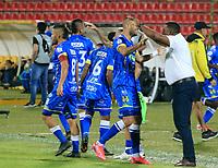 BUCARAMANGA - COLOMBIA, 30-08-2021: Jugadores de Alianza Petrolera celebran el gol anotado al Atletico Bucaramanga, durante partido entre Atletico Bucaramanga y Alianza Petrolera de la fecha 7 por la Liga BetPlay DIMAYOR II 2021, jugado en el estadio Alfonso Lopez de la ciudad de Bucaramanga. / Players of Alianza Petrolera celebrate a scored goal to Atletico Bucaramanga, during a match between Atletico Bucaramanga and Alianza Petrolera of the 7th date for the BetPlay DIMAYOR II 2021 League at the Alfonso Lopez stadium in Bucaramanga city. / Photo: VizzorImage / Jaime Moreno / Cont.