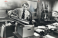 I don't think anyone wants a by-election, then a general election a few months after, says David Crombie, cleaning out mayor's desk.<br /> <br /> Photo : Boris Spremo - Toronto Star archives - AQP