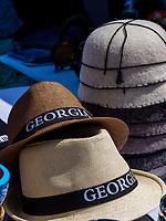 Souvenir-Verkauf bei Festung Ananuri an der georgischen Heerstraße, Mzcheta-Mtianeti, Georgien, Europa<br /> souvenirs near fortress Anannuri at Geogian Military Road , Mzcheta-Mtianeti, Georgia, Europe