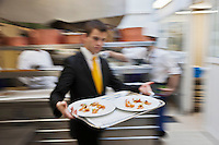 Europe/France/Pays de la Loire/44/Loire Atlantique/Nantes:  Service au  restaurant: L'Atlantide