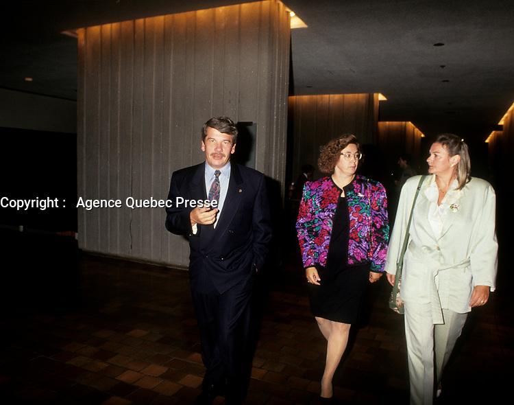 Le chef du RCM Jean Dore, et maire de Montreal au FFM 1993<br /> <br /> PHOTO D'ARCHIVE : Agence Quebec Presse