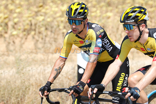 Primoz Roglic (SLO) and Steven Kruisjwijk (NED) Jumbo-Visma chat during Stage 5 of La Vuelta d'Espana 2021, running 184.4km from Tarancón to Albacete, Spain. 18th August 2021.    <br /> Picture: Luis Angel Gomez/Photogomezsport | Cyclefile<br /> <br /> All photos usage must carry mandatory copyright credit (© Cyclefile | Luis Angel Gomez/Photogomezsport)