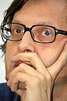 """Roma 10 09 2004 Dibattito:Presentazione del libro di Carlo Giovanardi """"Storie di straordinaria ingiustizia"""" Vittorio Sgarbi Deputato FI                                                                             photo:Serena Cremaschi Insidefoto"""