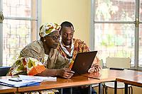 NIGER, Niamey, katholische Kirche, Treffen der Jugend Assoziation fuer Dialog zwischen Christen und Muslimen, Fatouma Marie-Therése Djibo