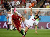 SARANSK - RUSIA, 25-06-2018: Ramin REZAEIAN (Der) jugador de RI de Irán disputa el balón con Andre SILVA (Izq) jugador de Portugal durante partido de la primera fase, Grupo B, por la Copa Mundial de la FIFA Rusia 2018 jugado en el estadio Mordovia Arena en Saransk, Rusia. / Ramin REZAEIAN (R) player of IR Iran fights the ball with Andre SILVA (L) player of Portugal during match of the first phase, Group B, for the FIFA World Cup Russia 2018 played at Mordovia Arena stadium in Saransk, Russia. Photo: VizzorImage / Julian Medina / Cont