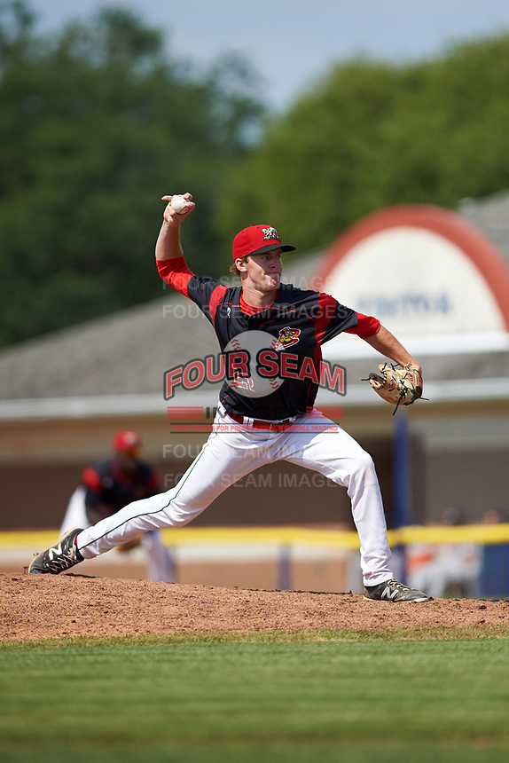 Batavia Muckdogs relief pitcher Travis Neubeck (22) delivers a pitch during a game against the Tri-City ValleyCats on July 16, 2017 at Dwyer Stadium in Batavia, New York.  Tri-City defeated Batavia 13-8.  (Mike Janes/Four Seam Images)