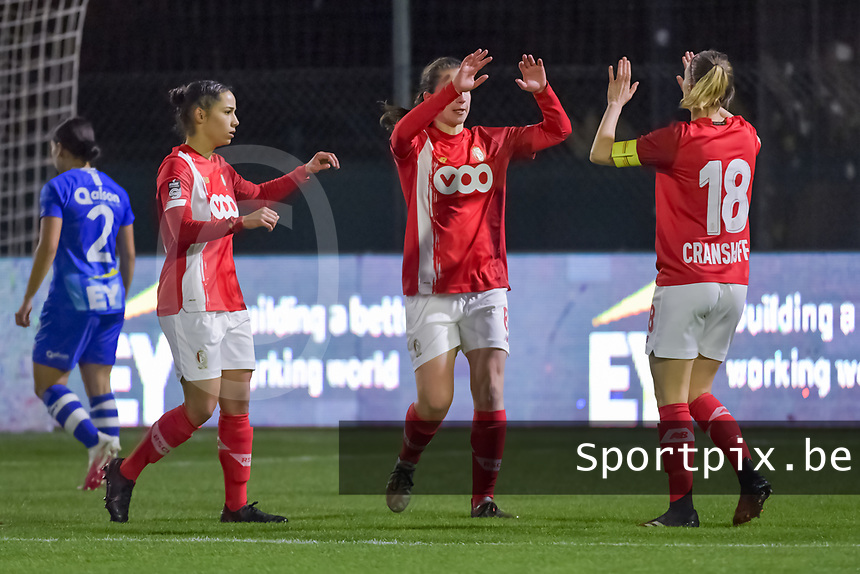 Standard forward Sanne Schoenmakers (8) scoring the 0-1 and Standard can celebrate during a female soccer game between  AA Gent Ladies and Standard Femina de Liege on the 8 th matchday of the 2020 - 2021 season of Belgian Scooore Womens Super League , friday 20 th of November 2020  in Oostakker , Belgium . PHOTO SPORTPIX.BE | SPP | STIJN AUDOOREN