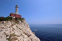 Italien, Capri, Leuchtturm bei Punta Carena
