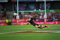 New Zealand's Ruby Tui passes during the women's cup final against Canada on day two of the 2020 HSBC World Sevens Series Hamilton at FMG Stadium in Hamilton, New Zealand on Sunday, 26 January 2020. Photo: Dave Lintott / lintottphoto.co.nz